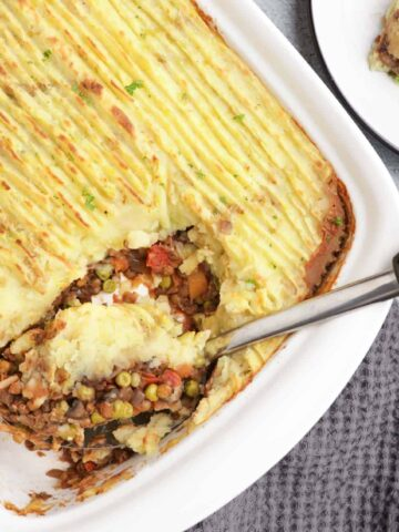 Fluffy mashed potatoes and flavorful filling for a vegan shepherd's pie.