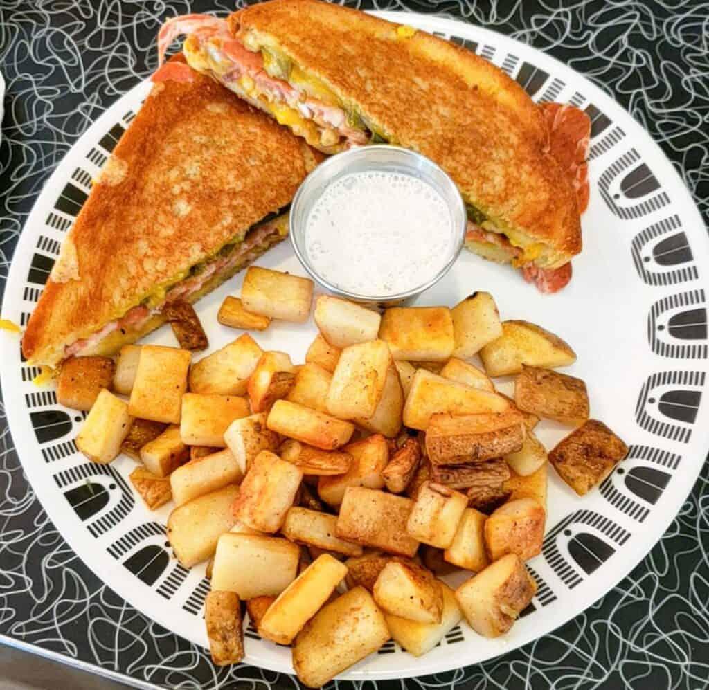jalapeno popper sandwich from spiral diner